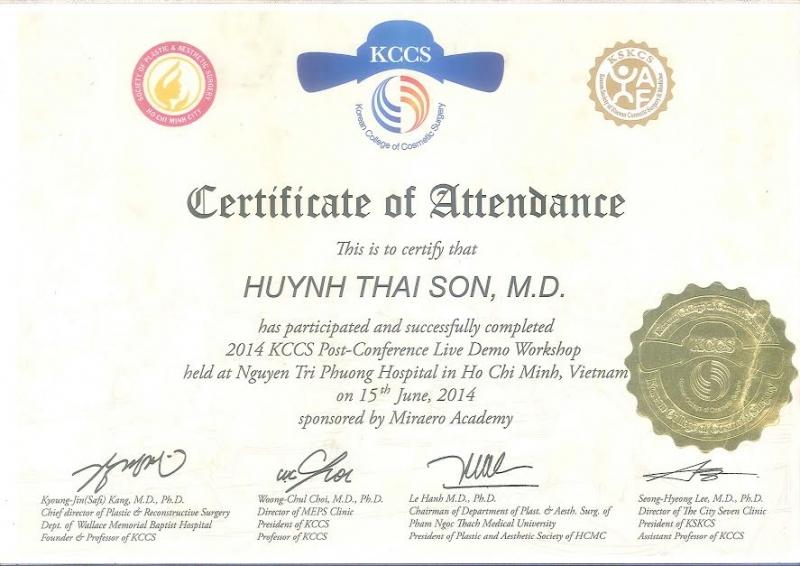 Giấy chứng nhận của bác sĩ Huỳnh Thái Sơn